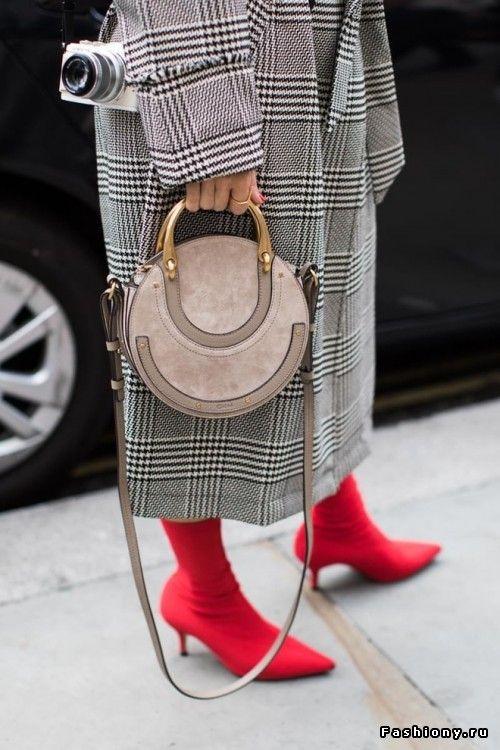 London Fashion Week весна-лето 2018 - street style