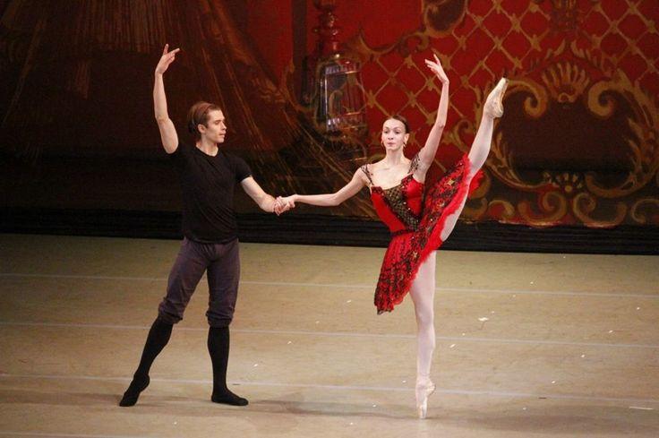 "<<Olga Smirnova and Artem Ovcharenko (Bolshoi Ballet) rehearsing for ""Don Quixote"" # Photo © Zhanna Chul>>"