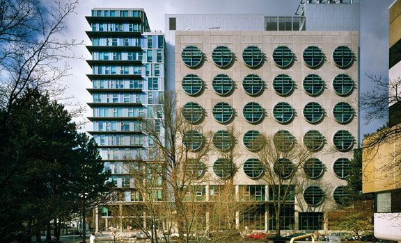 BC Cancer Agency Research Centre - IBI Group Architects | Glotman Simpson Structural Engineers