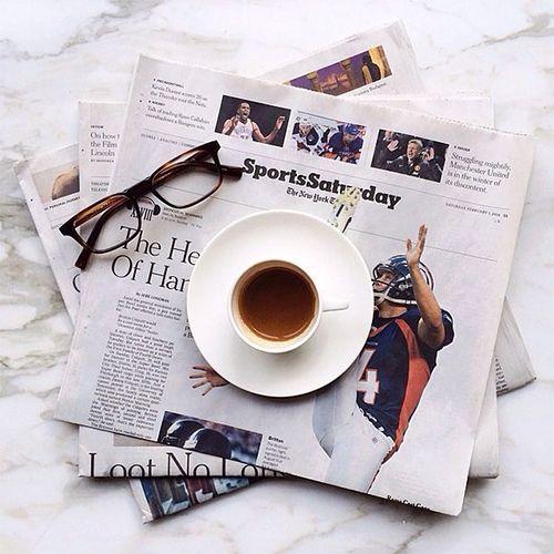 Jeder Arbeitsalltag braucht mal eine gemütliche Unterbrechung. Brille ab, Kaffee her und Entspannung!