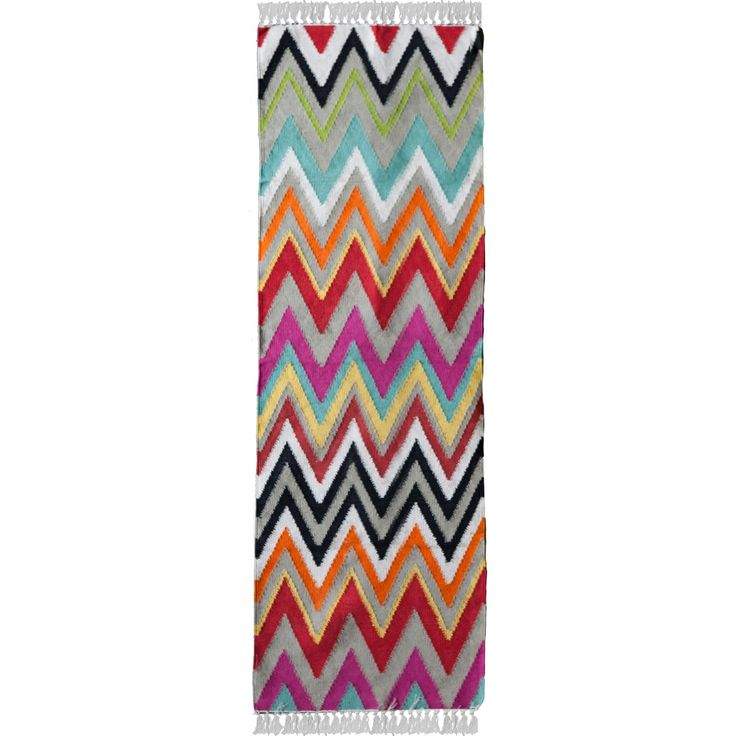 The Zigzag rug is simple and colourful, handwoven from cotton and jute, and is easy to clean and maintain. These rugs are very economical and form a great way to add a burst of colour to your personal space.