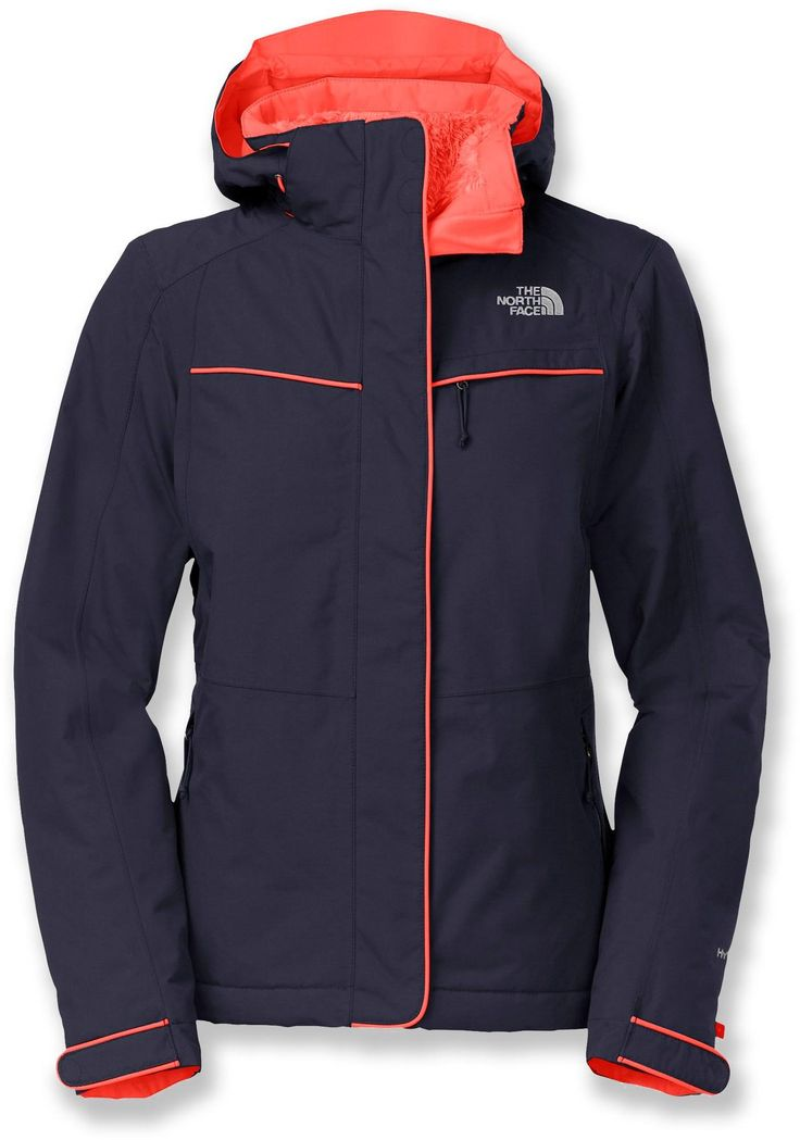 The North Face Inlux insulated jacket keeps you warm and dry on outdoor adventures, thanks to its waterproof, breathable exterior, synthetic insulation and soft fleece lining.