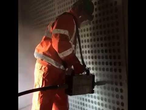 Ultra high pressure cleaning