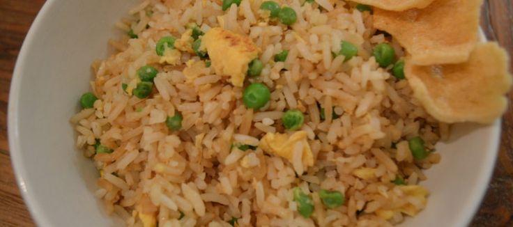 Gebakken rijst, een heerlijke maaltijd in een handomdraai op tafel