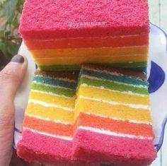 Pertama Kali Membuat Rainbow Cake Kukus Pakai Resep Ny. Liem Langsung Sukses dan Lembuuut Banget