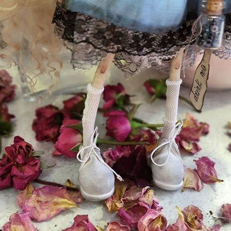 Маленькие ножки ))) маленькие ботиночки и все все маленькое ))😄как я все это люблюююю !! ❤