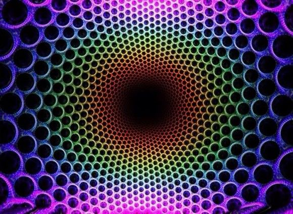 Colorful Expanding Trippy Illusion - http://www.moillusions.com/colorful-expanding-trippy-illusion/