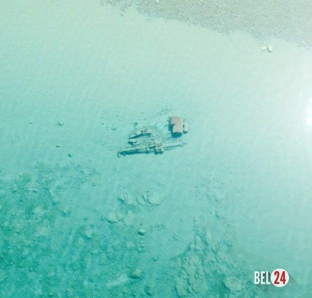 Озеро Мичиган «показало» затонувшие корабли    Сотрудники береговой охраны города Траверс-Сити, штат Мичиган, США, опубликовали снимки, которые были сделаны с воздуха над поверхностью озера Мичиган. Весной после схода льда вода становится особенно прозрачной, п