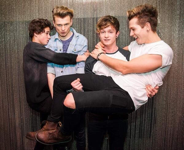 Tradley and Jonnor = The Vamps