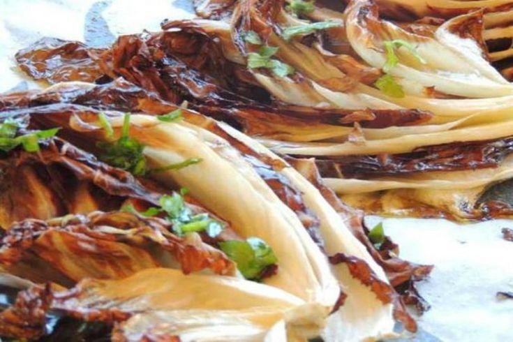Die besten 25 radicchio salat ideen auf pinterest salat - Come cucinare salsiccia ...