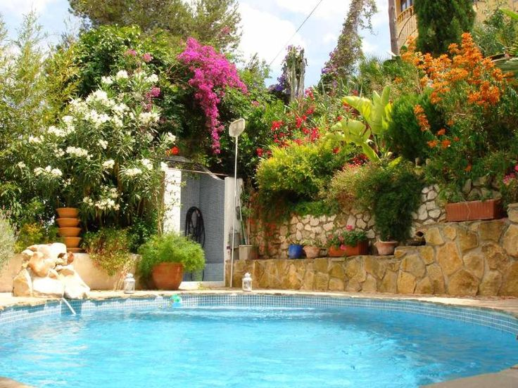 3 Bedroom Finca in Moraira to rent from £300 pw, within 15 mins walk of a Golf course, with a private pool. Also with balcony/terrace, Log fire, TV and DVD.