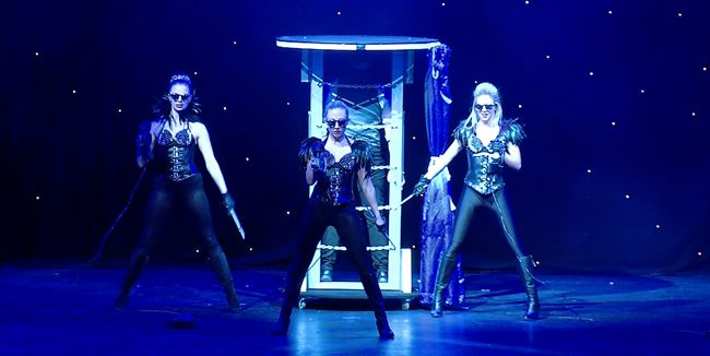 Corporate Entertainment Hire, #BirthdayEntertainers, Hire Circus Performers, Magician Events