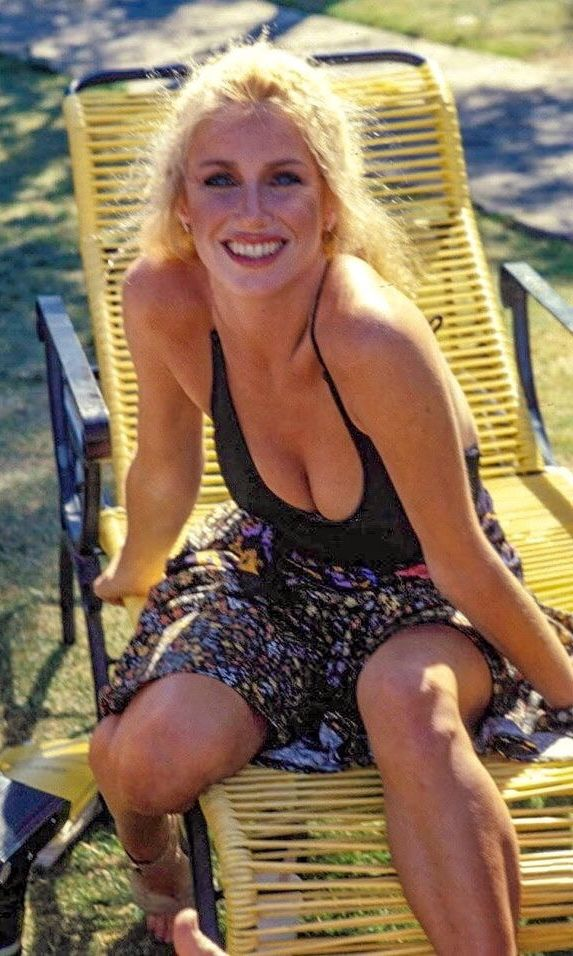 Suzanne Somers youtube
