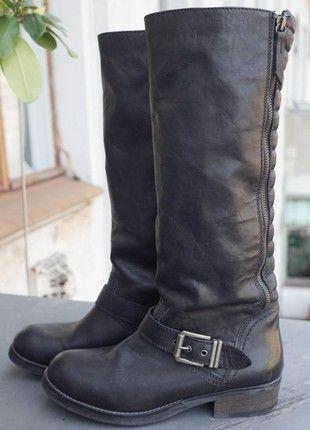Kaufe meinen Artikel bei #Kleiderkreisel http://www.kleiderkreisel.de/damenschuhe/kniehohe-schuhe/160495916-biker-boots-stiefel-schwarz-grosse-40-hoher-schaft