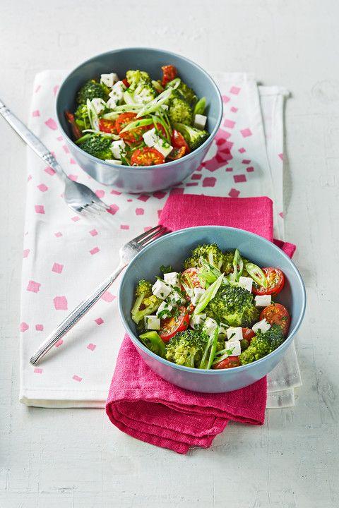 Mediterraner Brokkolisalat   – Essen und Trinken