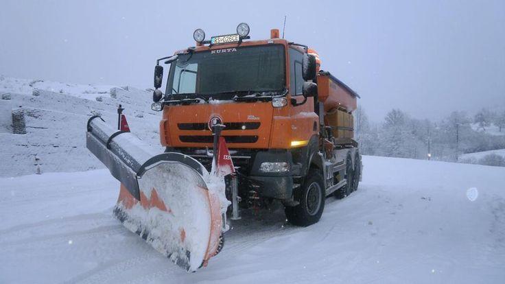 Tatra Phoenis snowplough