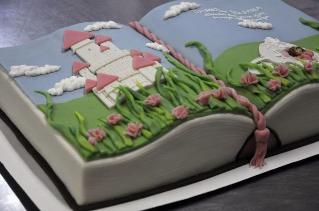 Open book cake, princess - by My Michaela Salminen