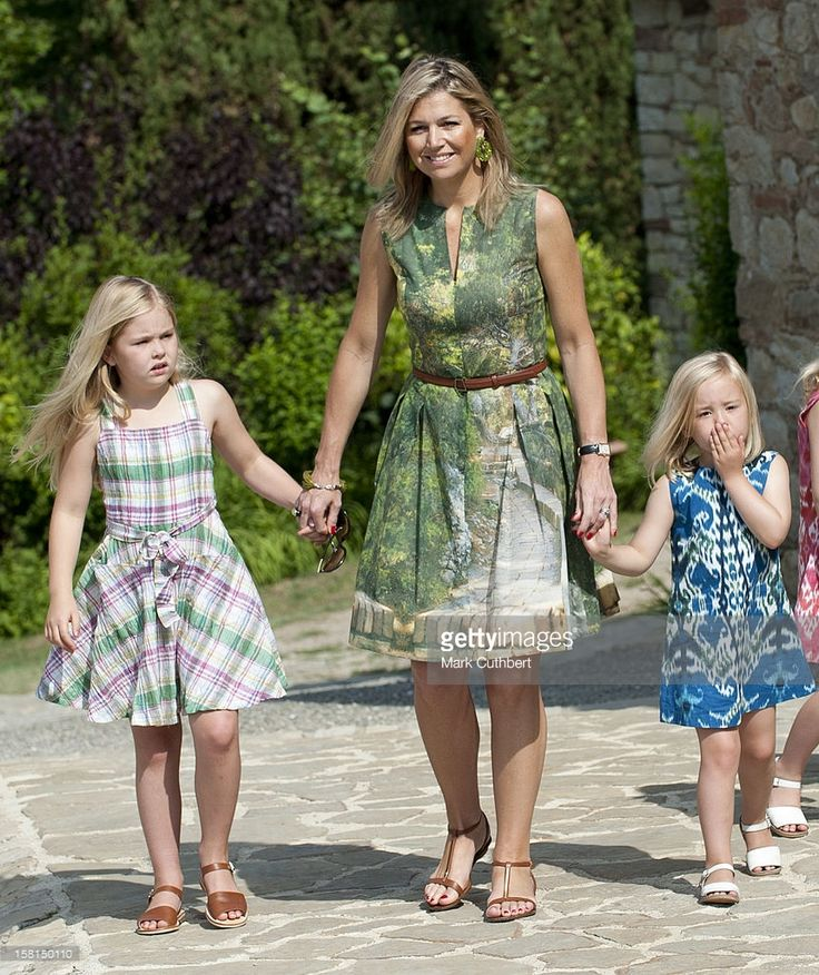 Queen Beatrix Of Netherlands Joins Prince Willem Alexander Of Netherlands And Princess Maxima Of Netherlands With Their Children, Princess Catharina-Amalia (8), Princess Alexia (5) And Princess Ariane (3) For A Photocall At The Start Of Their Summer Holiday In Tavarnelle Near Florence In Italy.