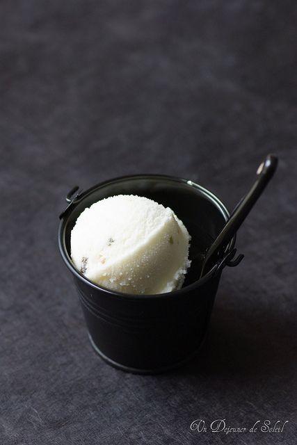 A wonderful pairing of classic Italian desserts: Gelato al ...