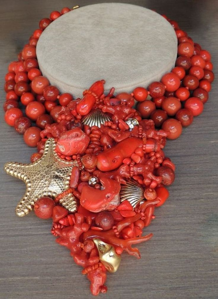 Stanley Hagler, NY. Beautiful Turqouise and Coral Brooch.