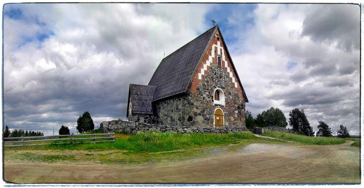 Vammalan Tyrvään Pyhän Olavin kirkko. Kuva: Junkohanhero Finland