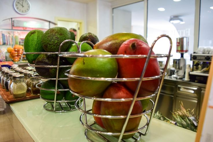 Frisches Obst und Gemüse in der Therme Portoroz http://www.travelworldonline.de/traveller/portoroz-lifeclass-hotels-wo-anti-aging-kult-ist/?fb_ref=Default&utm_content=buffere1df5&utm_medium=social&utm_source=pinterest.com&utm_campaign=buffer ... #food #healthy #therme #portoroz #gesund