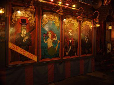 Shawana Clay (roniqueknight) on Pinterest - circus halloween decorations