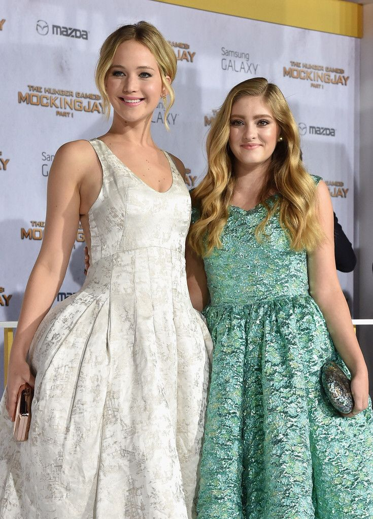 Willow Shields and Jennifer Lawrence Mockingjay Part 1 LA Premiere