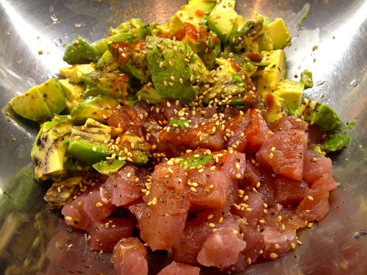 Tuna Tartare. I have a SLIGHT obsession with any type of raw tuna lately.......mmmmmmmm