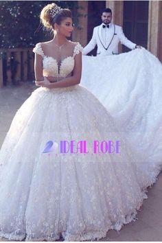2017 Robes de mariage robe de balle hors-la-épaule cathédrale train dentelle