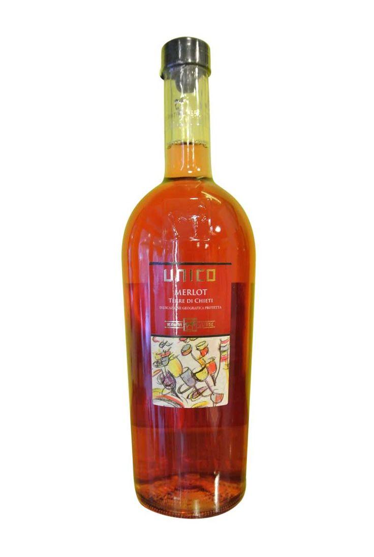 http://www.worldwildwine.com/cat.asp?15_Merlot-Rosato-Az-Unico Il vino si presenta di un colore rosato brillante con intensi ed eleganti profumi di frutta rossa come il mirtillo e lampone e fini note floreali di rosa. In bocca si fa apprezzare per la sua buona acidità e per le note già percepite al naso.