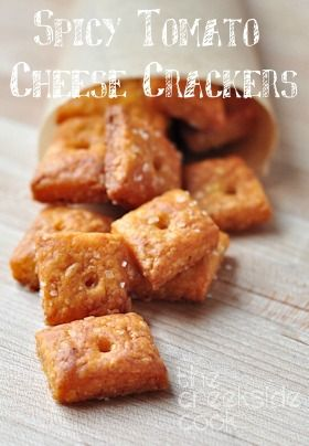 {USA}So fun to make and they taste amazing! Spicy Tomato Cheese Crackers - The Creekside Cook
