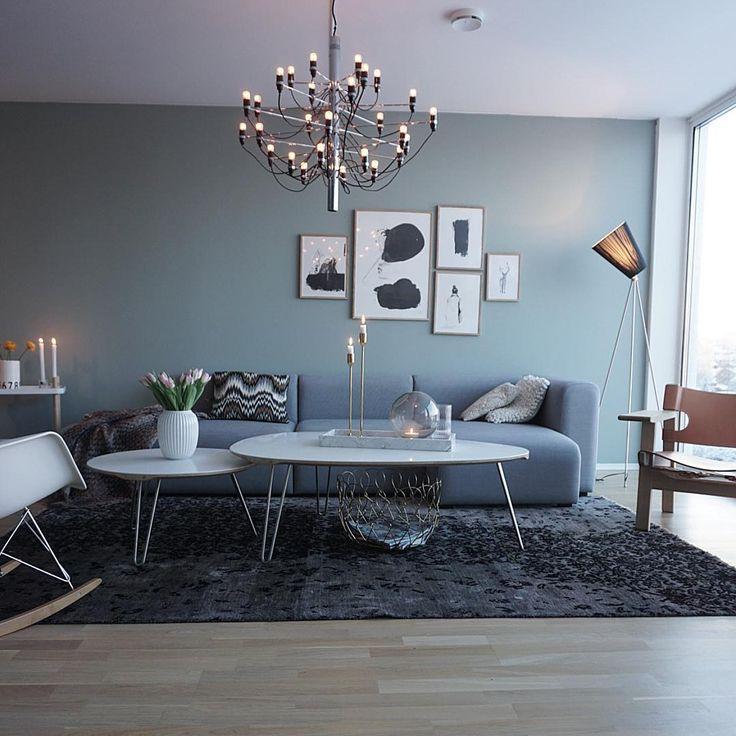 Przestronny salon w szarości w eleganckim klimacie
