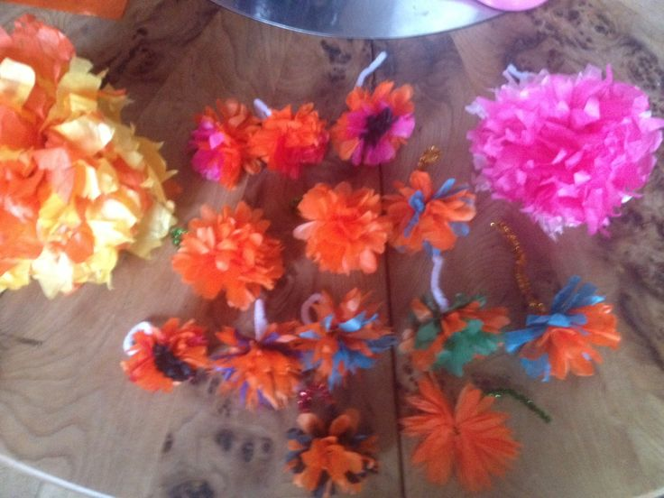 Paper flowers for festival hats!