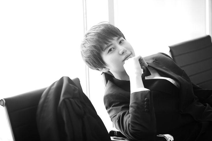 SJM Guest House - Kyuhyun (Awake already, uh? Don't smile like that, do you?)