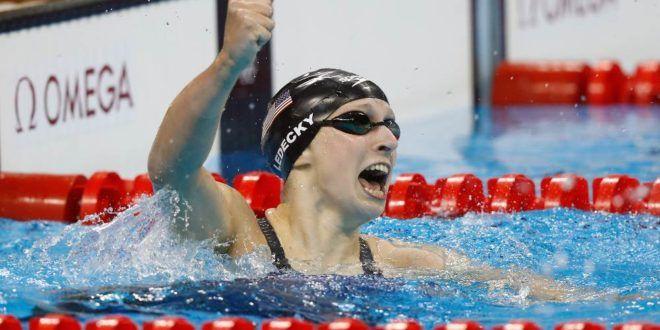 Fenômeno Katie Ledecky derruba recorde e ganha ouro nos 400m livre