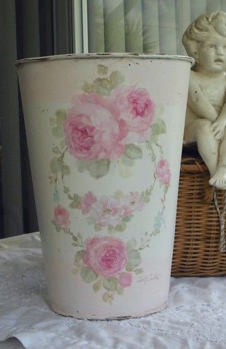 Vintage Rose Wreath Floral Bucket