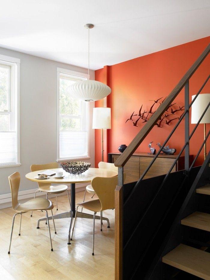 Wohnbereiche voneinander trennen durch den Einsatz von Farben-Orange