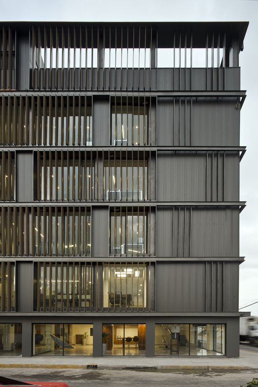 1000 ideas about facades on pinterest house front for Immeuble bureau design