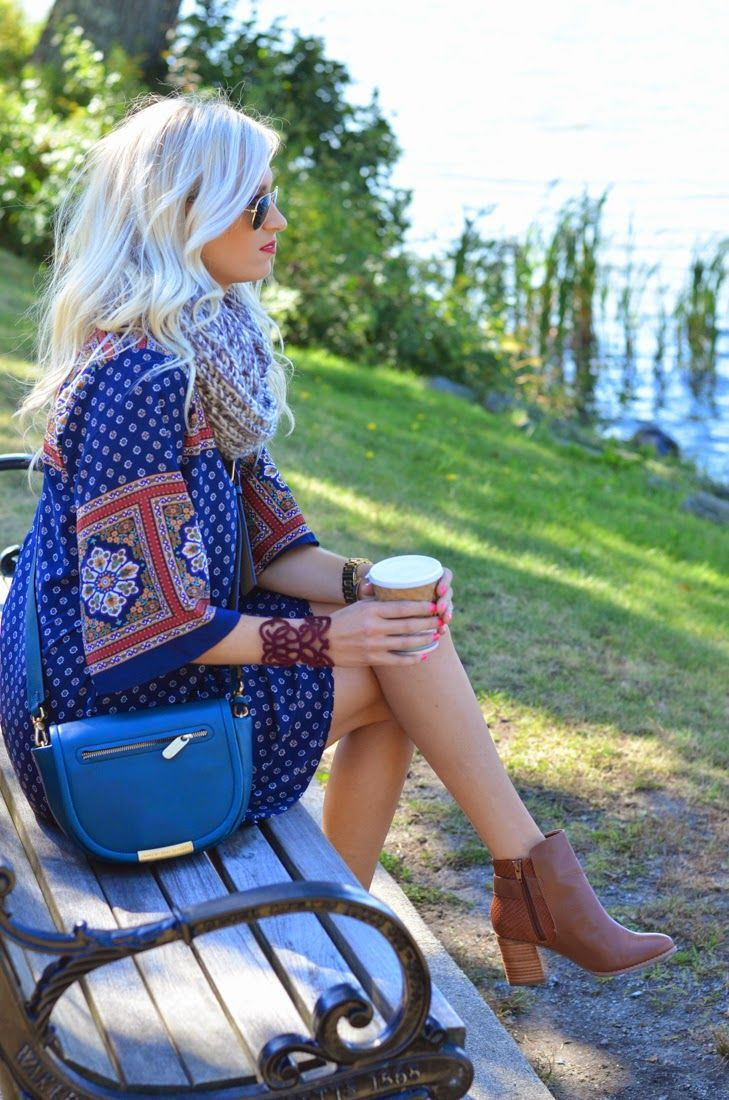 I'm in love with this baggy dress and booties. So me!Spring fashion tips.