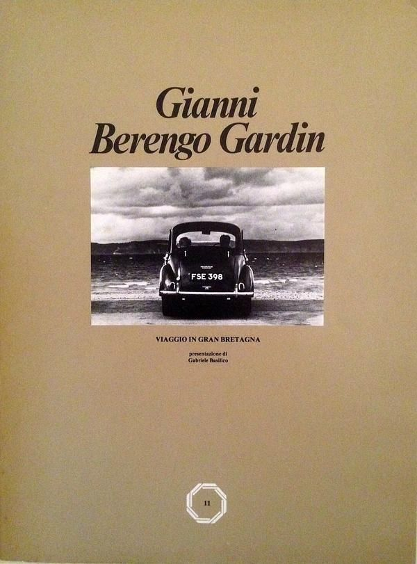 BERENGO GARDIN Gianni, Viaggio in Gran Bretagna. Milano,  Editphoto,  1978. Presentazione e intervista di Gabriele Basilico. 42 fotografie in bianco e nero di Gianni Berengo Gardin