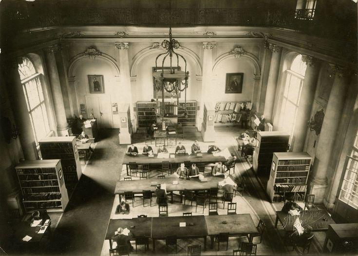 Lesesaal im Marstall Hauptgebäude, Stadtbibliothek  Berlin (1922)
