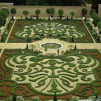 Formal Gardens of Het Loo Palace, Holland.