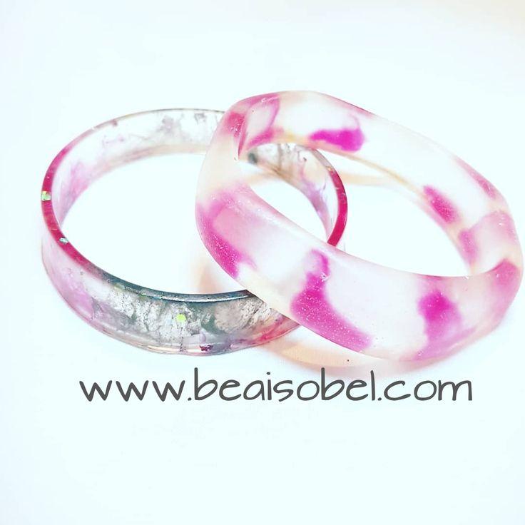 www.beaisobel.com Grey and pink resin #bangle #stack #beaisobel #resinjewellery  #resinpour #resinart #handcrafted #australia #brisbane