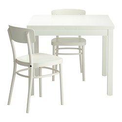 IKEA - BJURSTA / IDOLF, € 219.85 Tafel met 2 stoelen, Eettafel met 2 uittrekbladen; biedt plaats aan 4 personen en je kan de grootte van de tafel naar behoefte aanpassen.De uittrekbare tafelbladen bieden praktische werkruimte en zijn goed toegankelijk onder het tafelblad opgeborgen.Het blank gelakte oppervlak is makkelijk af te nemen.Door de voorgevormde rugleuning zit je comfortabel.
