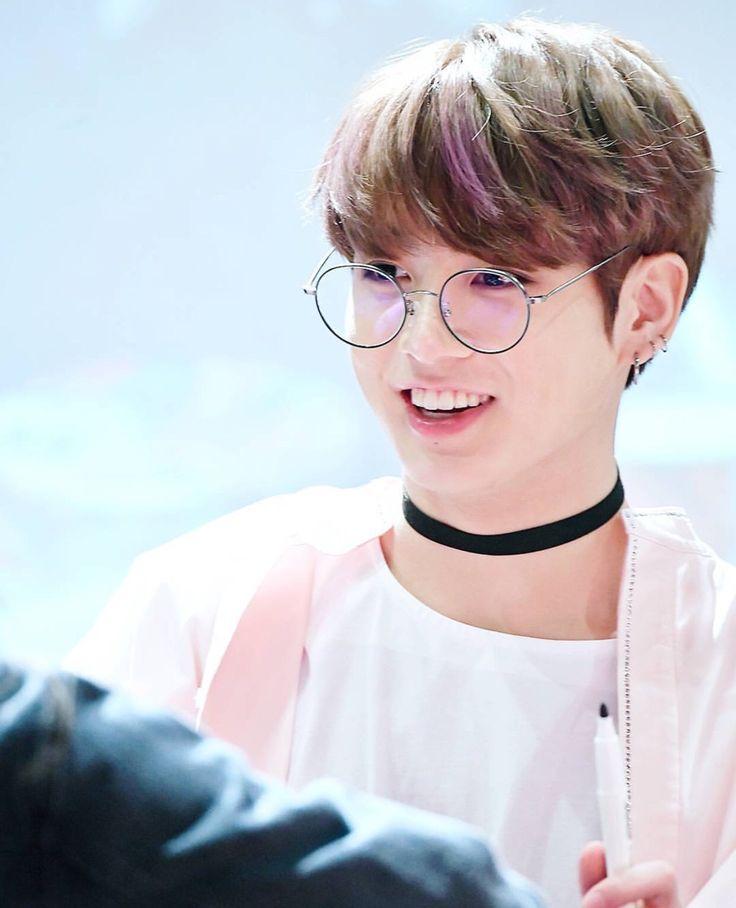 Bts Jungkook Glasses Wallpaper: 2188 Best BTS Aesthetic Images On Pinterest