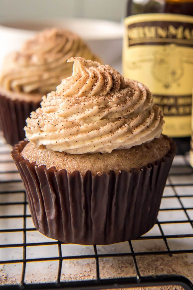 Brown Butter Snickerdoodle Cupcakes