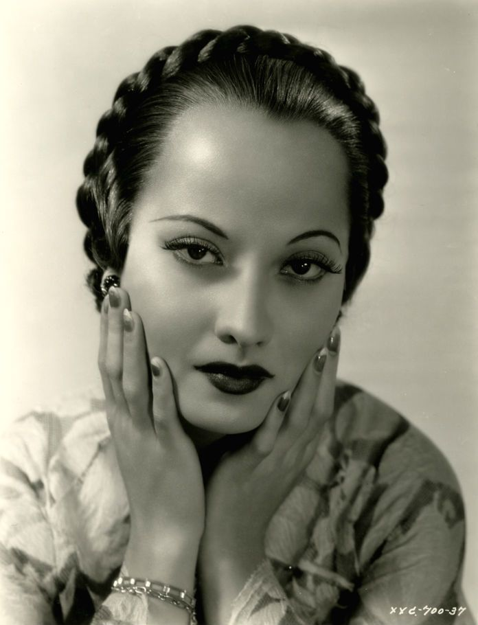Merle Oberon -- Love the frank expressions of the actresses of the early classic era