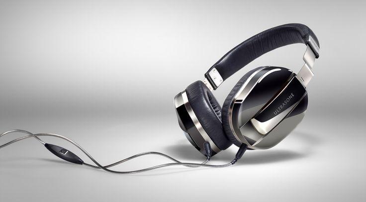High-end Hörgenuss auch unterwegs, zudem einen exklusiven Reisebegleiter verspricht Ultrasone AG für den neuen Over-ear Kopfhörer Ultrasone Edition M Black Pearl.