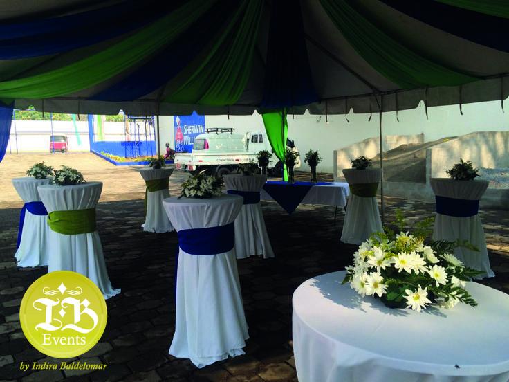 Arreglos Florales Managua Decoración para inauguración en Managua Indira Baldelomar Event Planner Alquiler de Toldos, Mesas cocteleras, Decoración con tela, alquiler de sillas